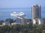 Сегодня, 1 сентября 2010 года парковка караблика в Сочи, вид из окна. 11:45