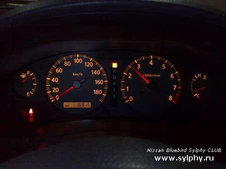 Фотоотчет о установке панели приборов с тахометром на Nissan SUNNY FB15 2002 рестайл